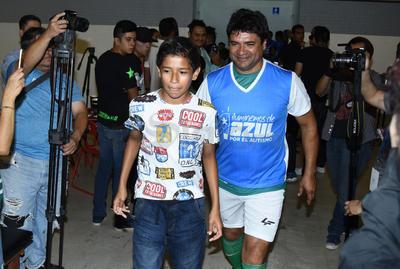 Pedro Muñoz también estuvo presente en el partido benéfico.