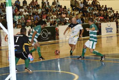 'Guerreros Legendarios' juegan partido benéfico