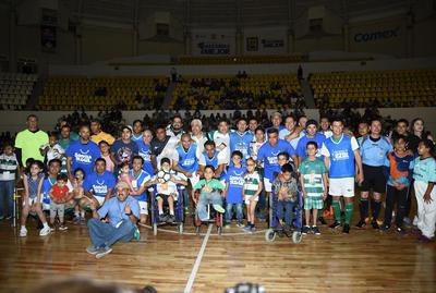 Aficionados al club lagunero pudieron ver una vez más a gran parte de sus ídolos en el Auditorio Municipal.