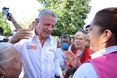 """Expresó no tener la menor duda de que """"vamos a arrasar, no solamente por ganar en Torreón, sino porque necesitamos llevar a la presidencia a Ricardo Anaya""""."""