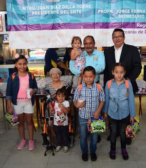 30042018 María José, Carlos, Caro, Iliana y Ray, de Matamoros, Coahuila.