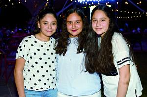 30042018 AMIGAS.  Mía, Elena y Kimberly.