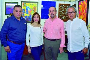 01052018 MUESTRA DE ANTIGüEDADES.  Óscar, Nancy, Heberto y Óscar López.