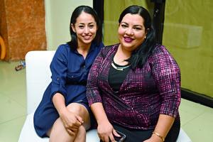 02052018 MUY CONTENTAS.  María Guadalupe y Yajaira.