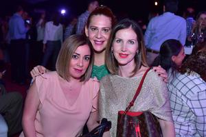 Maria Fernanda  Claudia y Fernanda
