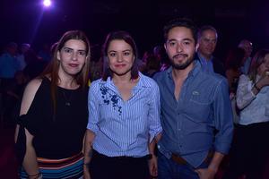 Montserrat  Claudia y Julio