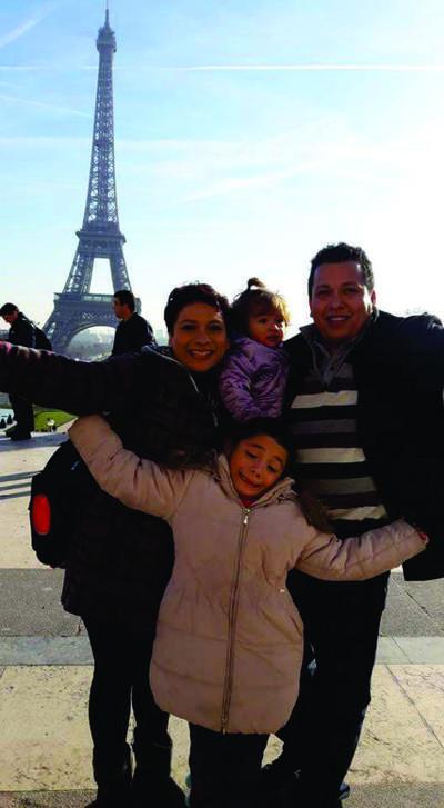 Familia López Núñez en París.