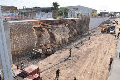 El incidente ocurrió en una de las paredes del desnivel, ubicado exactamente sobre el bulevar Revolución, a la altura de la calle 61 de la colonia Gustavo Díaz Ordaz.