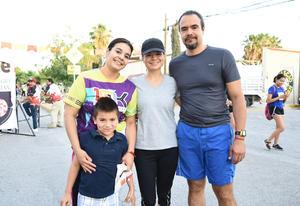 04052018 CARRERA ATLéTICA.  Gabriela, Thelma, José y José Andrés.