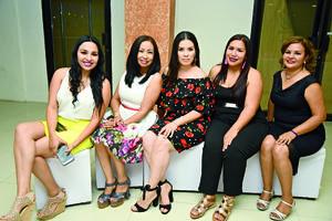 05052018 EN RECIENTE FESTEJO.  Haydeé Arreola, Gabriela Cuevas, Carmen García, Brenda Sifuentes y Azucena Llanas.