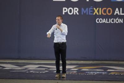 """El candidato de Por México al frente"""", se refirió a la Supercarretera Durango-Mazatlán como un proyecto que ha favorecido más al vecino estado de Sinaloa que a est"""