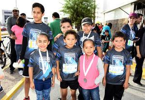 06052018 CARRERA ATLéTICA.  Juan Pablo, Alejandro, Diego, Emiliano y Eduardo.