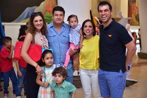 08052018 Familia Murra y Familia Garza.