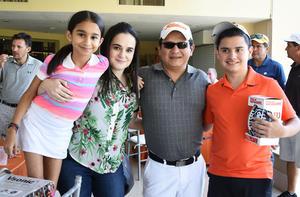 09052018 Paulina, Adriana, Manuel y Manuel Ortiz.