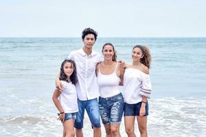 10052018 Daniella con Sofía, Maximiliano y Danna.