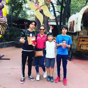 10052018 Marisol con Diego, Bernie y Rafa.