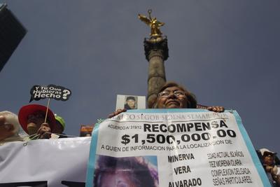 Las madres de personas desaparecidas realizaron este jueves un mitin en el Ángel de la Independencia.
