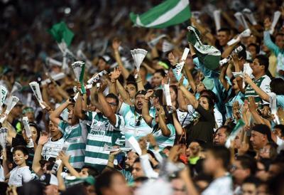 Gran noche la que se vivió en el Territorio Santos Modelo en la victoria de los Guerreros 4-1 ante las Águilas.