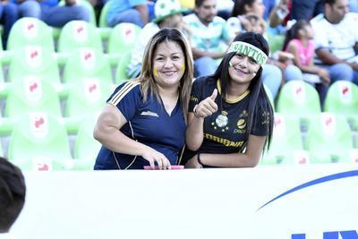 Las madres estuvieron presentes durante el partido de Santos y América.