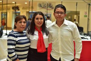 12052018 Patricia, Andrea y Carlos.