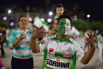 Los colores verde y blanco se apoderaron de La Laguna.