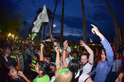 En bares de Torreón se vivió una fiesta.