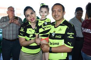 13052018 Luz María, Ana Luz e Hiram.