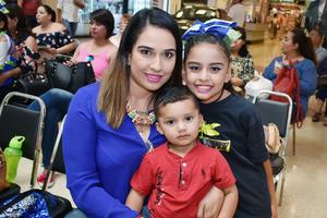 13052018 Cynthia, Santiago y Camila.