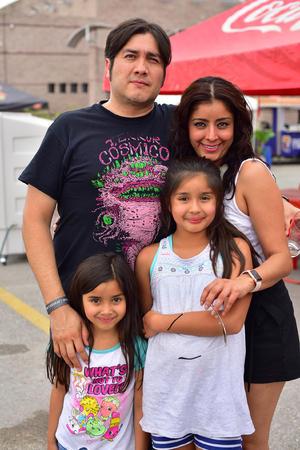 13052018 EN FAMILIA.  Gaby, Carlos, Sofi y Natis.
