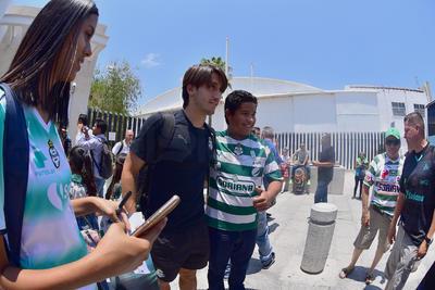 Abella fue elegido por los aficionados en redes sociales como el jugador del partido contra el América.