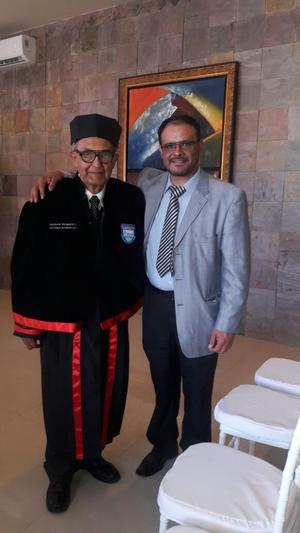 15052018 Dr. Salvador Viramontes en compañía de su hijo, Gabriel Viramontes.