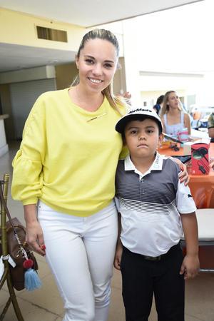 Eva Albores y Ernesto M  Albores