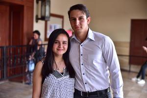 16052018 EN EL TEATRO.  Daniela y Fernando.