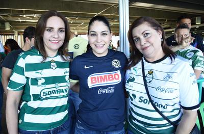 17052018 Adriana, Gloria y Gloria.