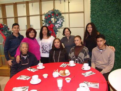 17052018 Juanita, Margarita, Elsa, Samir, Rosario, Graciela, Magaly y Alexander.