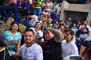17052018 Apoyan a los Guerreros.