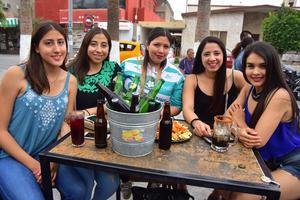 17052018 ENTRE AMIGAS.  Alejandra, Daniela, Mariana, Marigel y Paty.