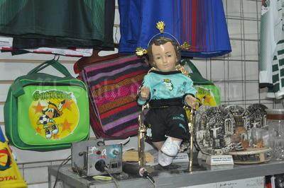 El niño Dios también apoya al Club Santos Laguna.
