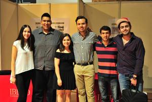 18052018 UNIVERSITARIOS.  Lorena, Ángel, Cecy, Alan, Fernando y Marcelino.