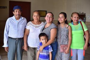 18052018 EN EL TEATRO.  Familia Argumedo Saldaña.