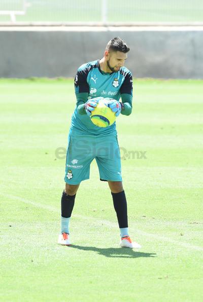 Jonathan Orozco durante el entrenamiento.