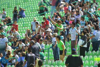 Aficionados y familiares festejaron con los sub-17.