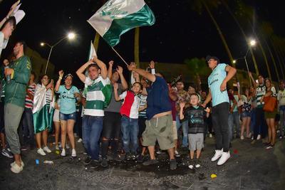 La Laguna vivió una gran noche con el triunfo de Santos.
