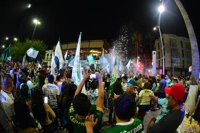 Así la fiesta en el centro de Torreón.