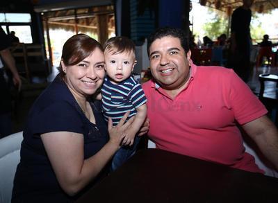 Alma Pérez, Diego Banderas e Iván Banderas.