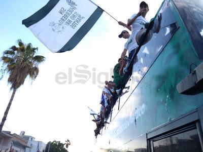 Las banderas se ondearon por toda la Comarca Lagunera.