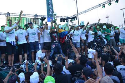 El trofeo de la Liga MX se quedó en la casa de los Guerreros.