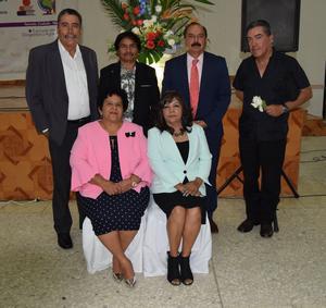20052018 Maestros de Matamoros, Coahuila, que recibieron reconocimientos por sus 30 años de servicio: Marta A. Almaraz, Leticia Martínez, Joel Ortega, Roberto de J. Torres, José A. Vaqueiro y Francisco Sifuentes.