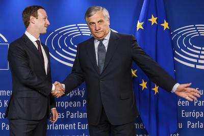 """""""Por desgracia, el caso de Cambridge Analytica es alarmante. Nuestros ciudadanos merecen una completa y detallada explicación de lo que ha ocurrido"""", señaló Antonio Tajani, presidente del Parlamento Europeo."""