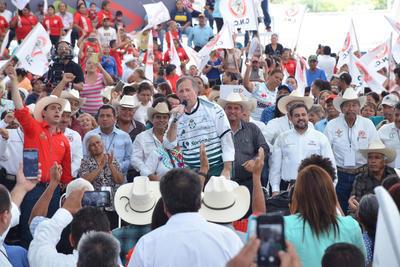 """El candidato presidencial de la coalición """"Todos por México"""", José Antonio Meade Kuribeña, dijo que de llegar a ser presidente, trabajará por una reforma integral en el campo mexicano."""